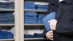 Tineri cercetați după ce au furat din două magazine din Baia Mare