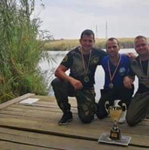 Pompieri maramureșeni campioni și la pescuit (GALERIE FOTO)