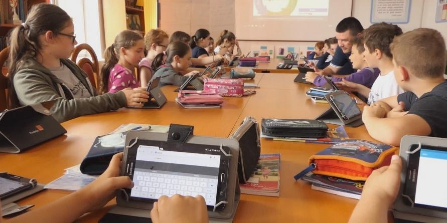 Laborator digital la Școala Gimnazială din Recea, câștigat prin concurs