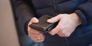 A ajuns în atenția poliției după ce și-a însușit un portofel pierdut