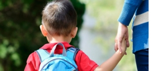 Dacă îndeplinesc anumite condiții, preșcolarii primesc stimulente educaționale sub formă de tichete sociale