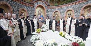 """Slujba de pomenire a Arhiepiscopului Justinian și lansarea volumului """"Pastorale"""" (GALERIE FOTO)"""