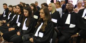 Record în istoria Baroului Maramureș: 17 stagiari au depus deodată jurământul pentru intrarea în profesia de avocat
