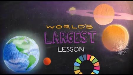 """Elevii și dascălii maramureșeni, invitați să se alăture """"Celei mai mari lecţii din lume"""""""