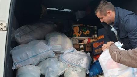 Preoții și credincioșii din Protopiatul Vișeu au donat peste cinci tone de alimente (GALERIE FOTO)