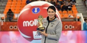 Neagu the best – căpitanul naţionalei a primit trofeul de cea mai bună jucătoare a lumii din partea IHF