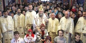 """Episcopul Iustin: """"Românii s-au încreştinat în lumină, nu în mod forţat, nu cu sabia"""" (GALERIE FOTO)"""