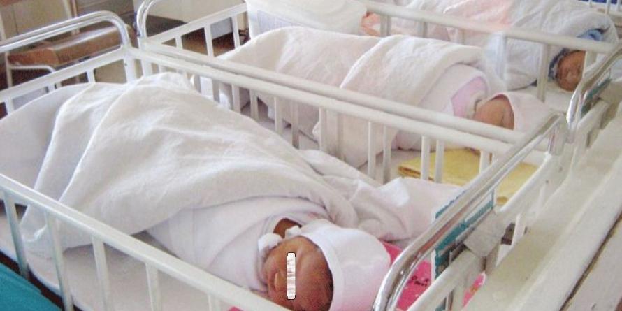 Trei băieți și o fetiță au venit pe lume în Baia Mare, în primele 12 ore din 2020