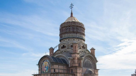 Episcopia Maramureșului și Sătmarului sprijină lupta împotriva Covid-19; S-au donat bani, echipamente de protecție și urmează achiziționarea a două aparate de ventilare mecanică