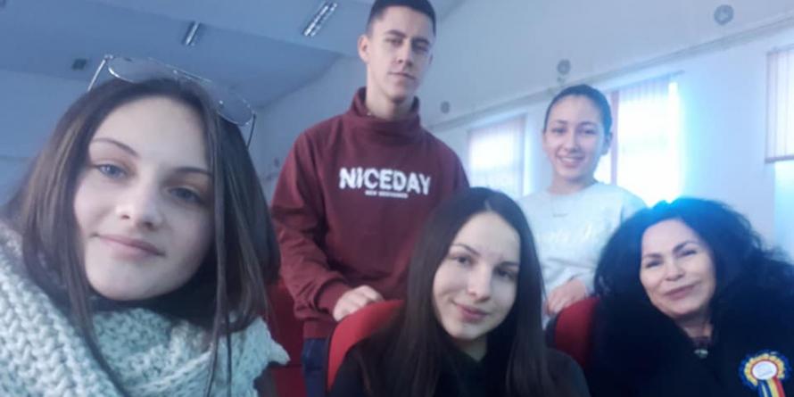 """Recitând din Eminescu, elevi de la Liceul """"Petru Rareș"""" din Târgu Lăpuș au luat principalele premii la concursul  național de la Blaj"""