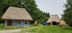 Teama de coronavirus: în Stoiceni, localnicii au imobilizat o consăteancă revenită din Italia