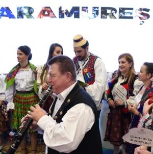 Vizitatorii Târgului de Turism al României, atrași de standul Maramureșului (GALERIE FOTO)