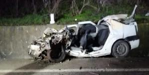 Patru tineri au murit într-un Logan strivit de TIR (VIDEO)
