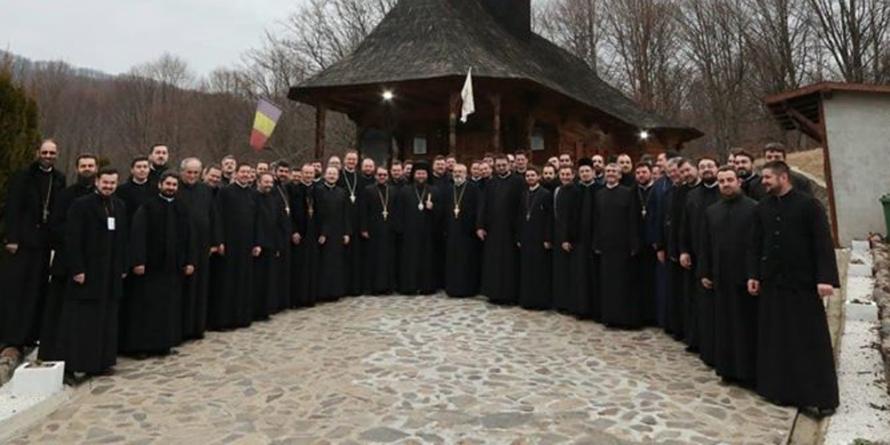 Peste 70 de preoți și diaconi din Episcopie au participat la un training catehetic (GALERIE FOTO)