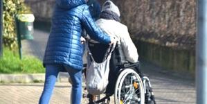 Persoanele cu handicap? Să mai aștepte – așa s-ar traduce o decizie a primarului băimărean