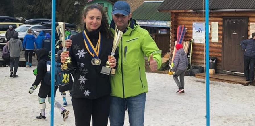 """Schioarea Jeniffer Nagy Remetean obține o primă medalie de aur la """"Poiana Brașov FIS Children Trophy"""""""