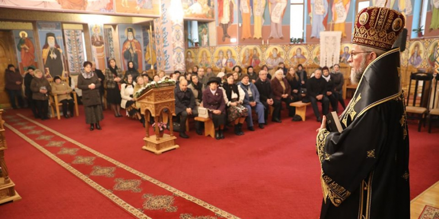 """""""Biserica este spital de vindecare, nu mijloc de infestare"""", a precizat Episcopul Iustin la Biserica """"Sfântul Ilie"""" din Baia Mare (GALERIE FOTO)"""