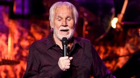 Doliu în muzica internațională: S-a stins cântărețul de muzică country Kenny Rogers (VIDEO)