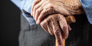 Măsură specială: Vârstnicii de peste 65 de ani fără aparținători, luați în evidențele primăriilor
