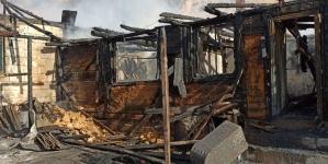 Incendiu violent din cauza unui burlan pe strada Hornului din Baia Mare (GALERIE FOTO)