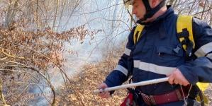 Val de incendii de vegetație uscată în Maramureș: Suprafețe întinse mistuite de flăcări în tot județul (GALERIE FOTO)