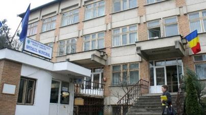 Cazul 3 în Maramureș: Încă o femeie carantinată în centrul de la Liceul Forestier Sighet a fost testată pozitiv cu COVID-19 și a ajuns la spitalul municipal; nu este contact al cazului 2