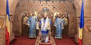 De Buna Vestire, PS Timotei Sătmăreanul a liturghisit la Mănăstirea Scărișoara Nouă