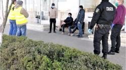 S-a întâmplat în Baia Mare: Trei cetățeni din Afganistan și unul din India, identificați în fața stației CFR; Se presupune că au intrat ilegal în țară (GALERIE FOTO)
