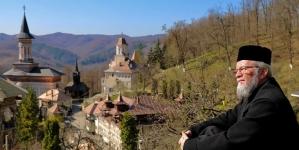 Rugăciune la Mănăstirea Rohia (GALERIE FOTO)